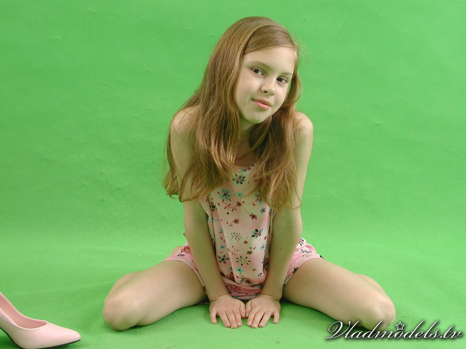 Teen Model RU http://www.vladmodels.tv/free-tour-set